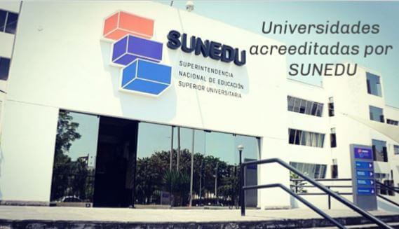 Cuantas universidades están licenciadas en el Perú